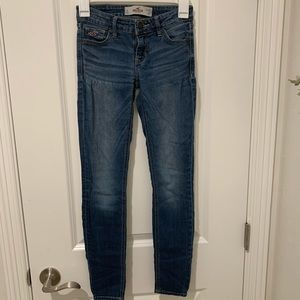 Hollister skinny jeans size 1S/25 super cute